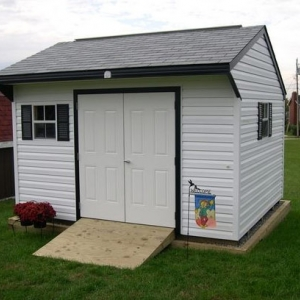 10x12 Quaker With Vinyl Siding